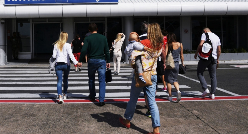 Порядок выезда детей из России за границу изменится с 12 июня