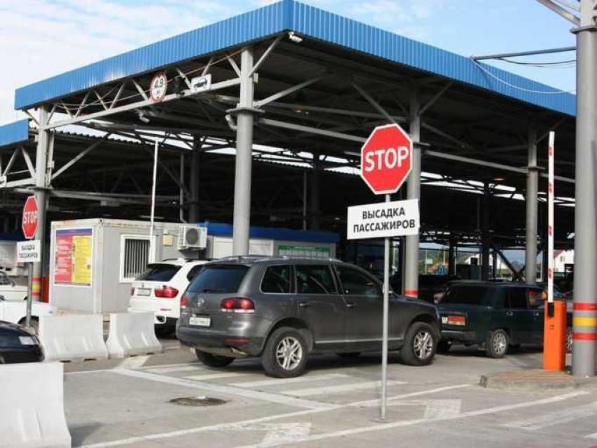 Таможня Сочи вскрыла незаконные схемы временного ввоза транспортных средств из Абхазии