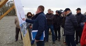 Аслан Бжания посетил строящийся туристический объект в селе Тамыш