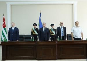 Президент Рауль Хаджимба вручил медали «За Победу» служащим ГСО