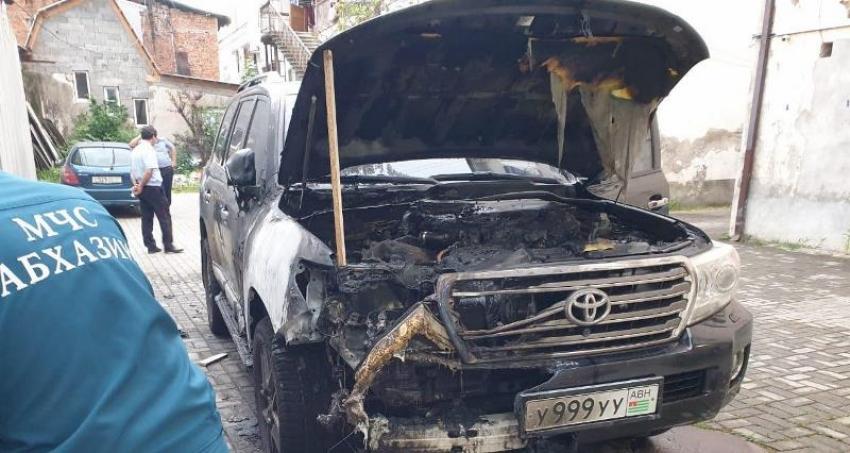 Ночью сожжен автомобиль председателя ПП «Апсны» Виталия Габния
