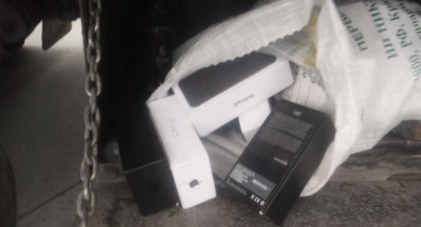 Грузовик с iPhone: предотвращен вывоз контрабанды из России в Абхазию